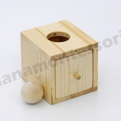 pudełko z kulką https://www.polanamontessori.pl