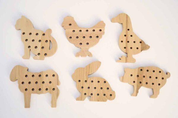 drewniane przewlekanki montessori https://polanamontessori.pl