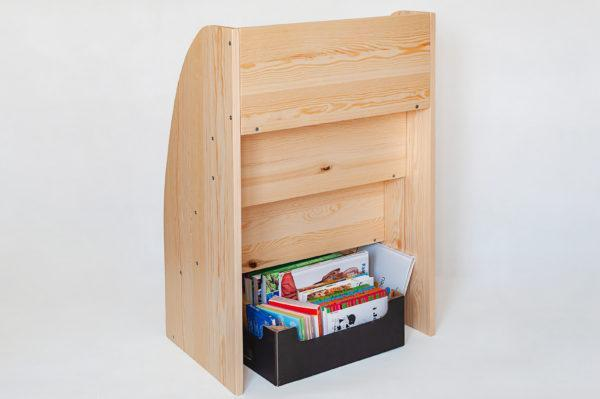 biblioteczka na książki montessori https://polanamontessori.pl