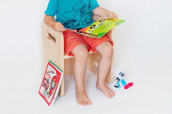 Rosnące krzesełko dla dziecka cube chair montessori https://www.polanamontessori.pl/
