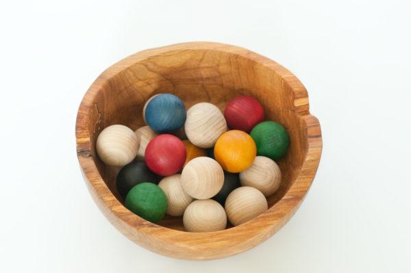 kulki kolorowe montessori https://polanamontessori.pl/